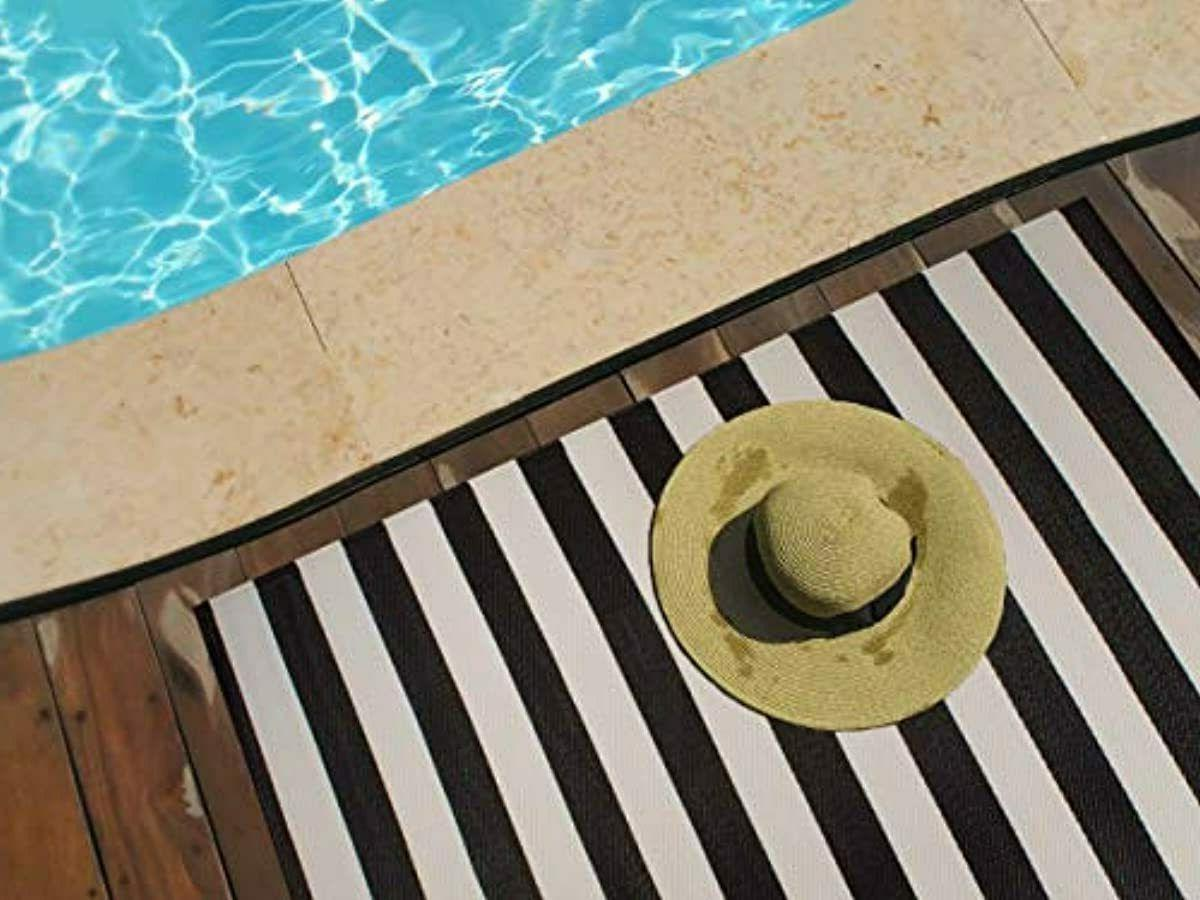 DII Reversible Indoor Woven Striped 4x6', White